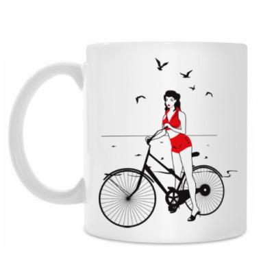 Кружка Девушка с велосипедом в стиле пин ап