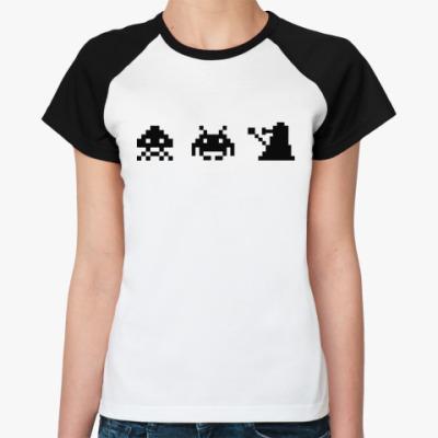 Женская футболка реглан Dalek & Space Invaders