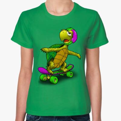 Женская футболка Черепаха на скейте
