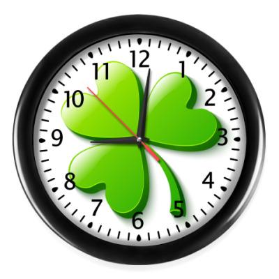 Настенные часы Зеленый объемный клевер
