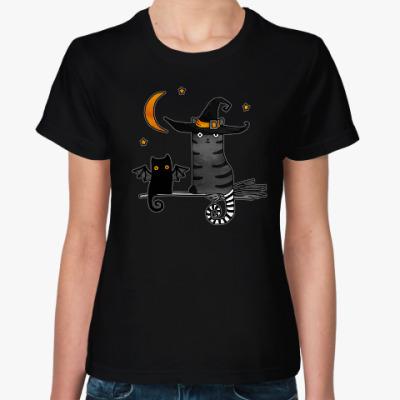 Женская футболка Черная летучая кошка и ведьма на Хеллоуин