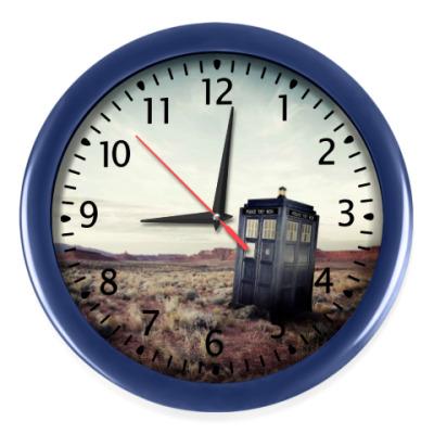 Настенные часы Тардис