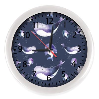 Настенные часы Подводный узор с китами