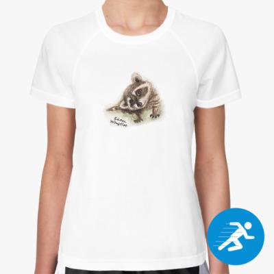 Женская спортивная футболка Жизнелюбивый енот