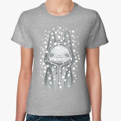 Женская футболка Зайка и снег