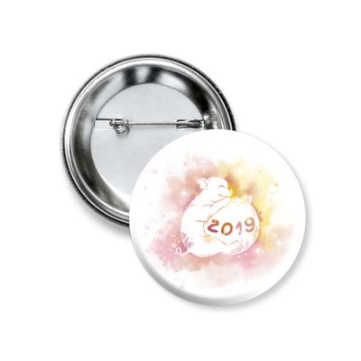 Значок 37мм Новогодняя свинка 2019