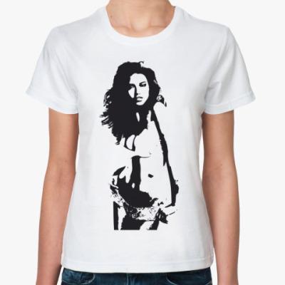 Классическая футболка Girl B&W