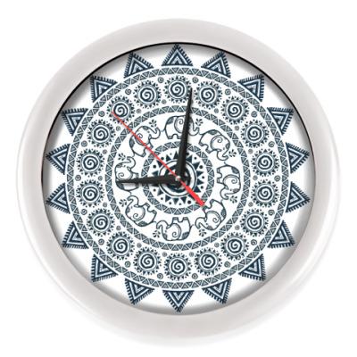 Настенные часы Мандала со слониками