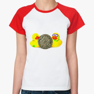 Женская футболка реглан Уточки и календарь майя