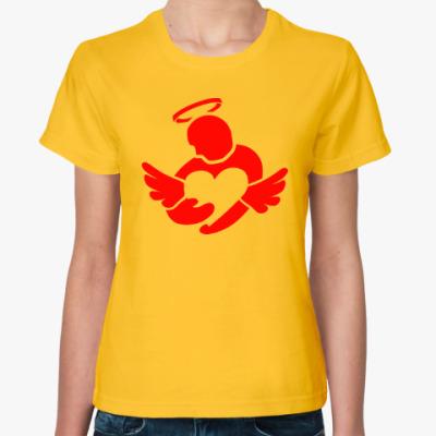 Женская футболка Сердце в руках