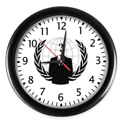 Настенные часы Анонимус