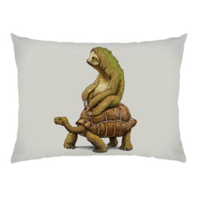 Подушка Ленивец на черепахе