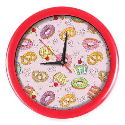 Настенные часы Пироженки