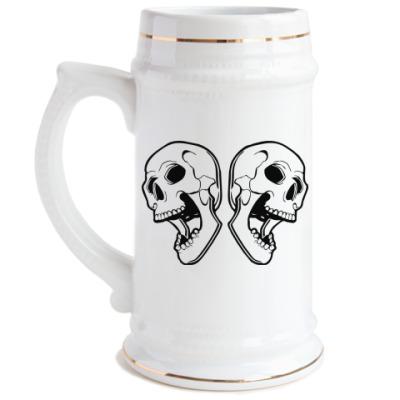 Пивная кружка Skulls