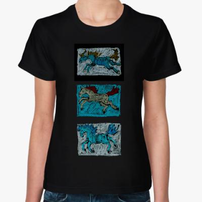 Женская футболка Зимние кони