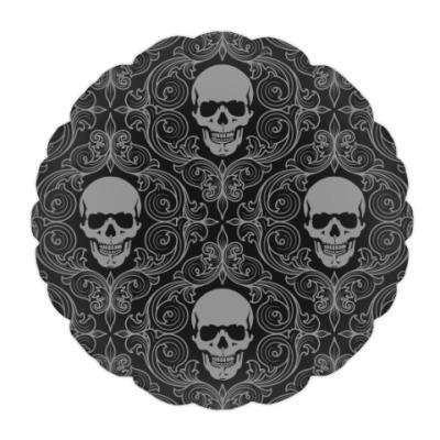 Подушка Готичный череп с улыбкой