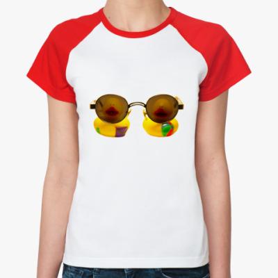 Женская футболка реглан Эти уточки смотрят на вас