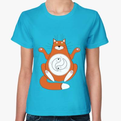 Женская футболка медитация сытого кота