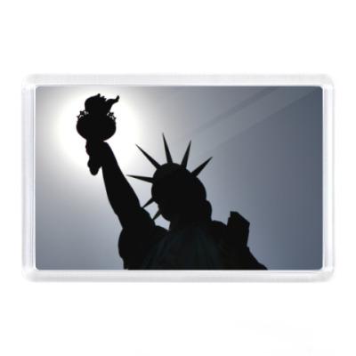 Магнит Нью-Йорк, Статуя Своб