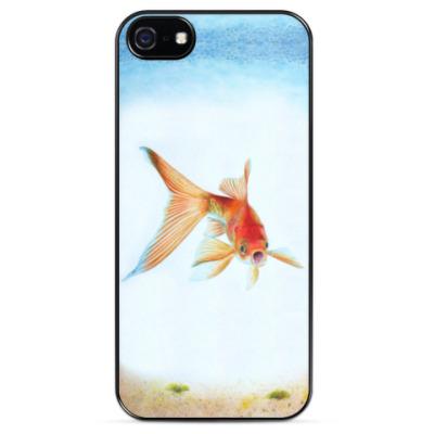 Чехол для iPhone Золотая рыбка приносит удачу. Рисунок акварелью