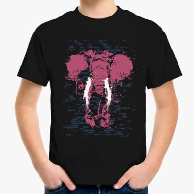 Детская футболка Слон в стене