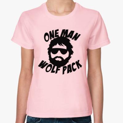 Женская футболка  Человек-волчья стая