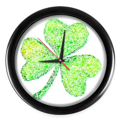 Настенные часы Осколки стеклянного клевера