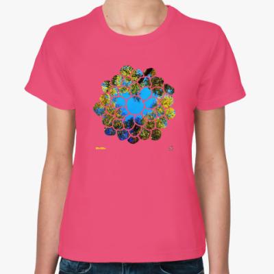 Женская футболка Сердце из крон