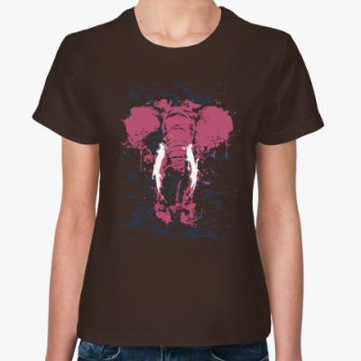 Женская футболка Слон в стене