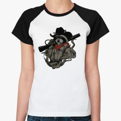 Женская футболка реглан Енот с ружьём