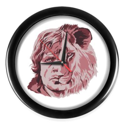 Настенные часы Тирион лев