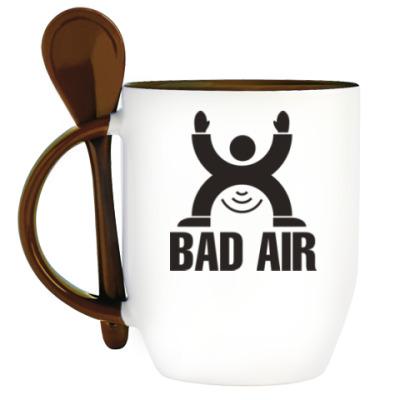 Кружка с ложкой Плохой воздух