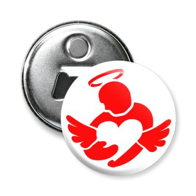 Магнит-открывашка Сердце в руках