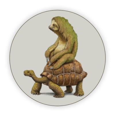 Костер (подставка под кружку) Ленивец на черепахе
