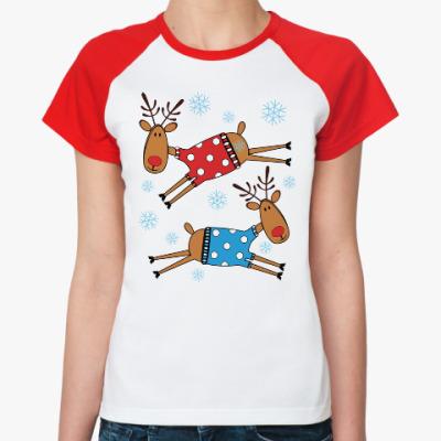 Женская футболка реглан Новогодние олени в свитерах