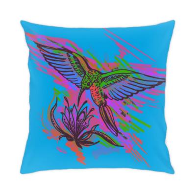Подушка Колибри. Яркий рисунок