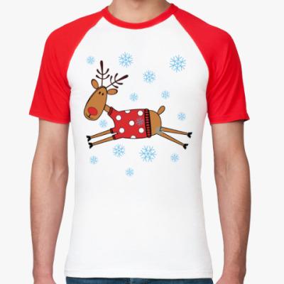 Футболка реглан Новогодний олень в свитере