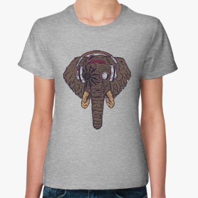 Женская футболка Слон в наушниках