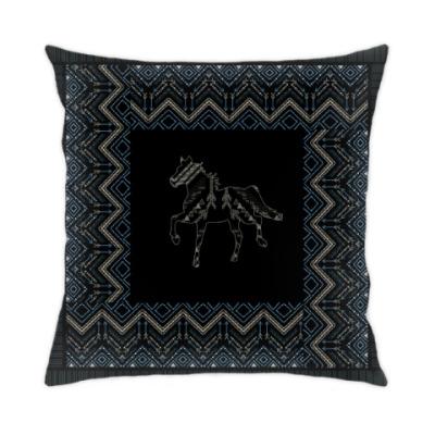 Подушка Этнический дизайн с лошадью