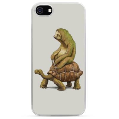 Чехол для iPhone Ленивец на черепахе