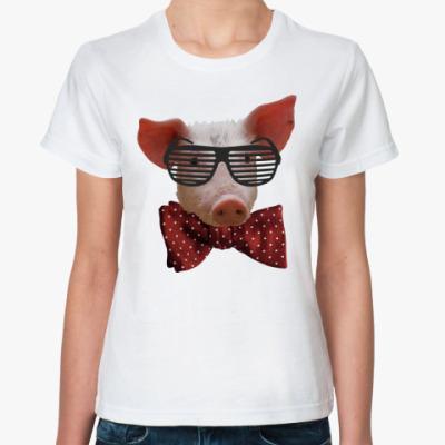 Классическая футболка Свинья в очках и бабочке