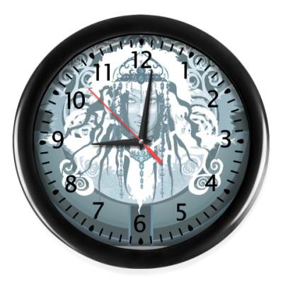 Настенные часы Снежная королева