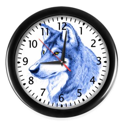 Настенные часы 'Лесной волк'