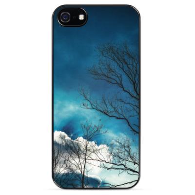 Чехол для iPhone Небо и ветки