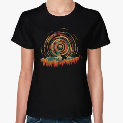 Женская футболка Геометрический Восход