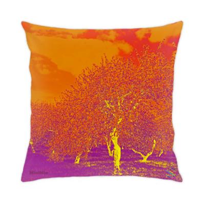 Подушка Яблоневый сад - psychedelic
