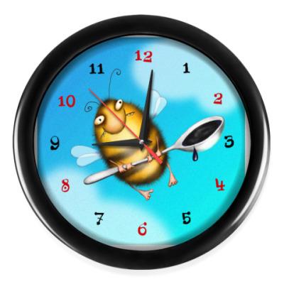 Настенные часы  Пчела