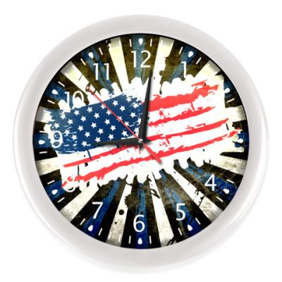 Настенные часы Американский флаг. Гранж.