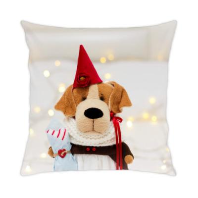 Подушка Собачка с подарочной косточкой