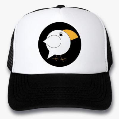 Кепка-тракер Белая ворона